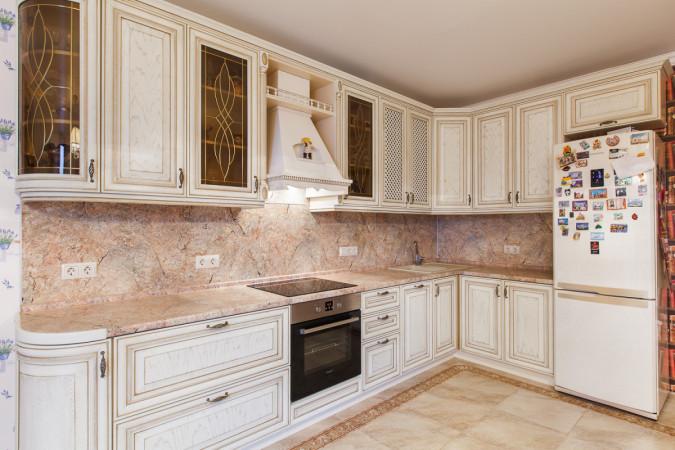 Кухня Классическая в белых тонах