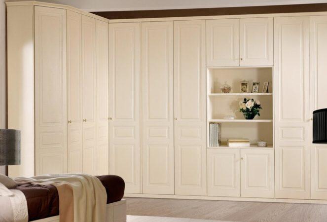 Шкаф «Айсберг» — большой распашной угловой шкаф белого цвета.