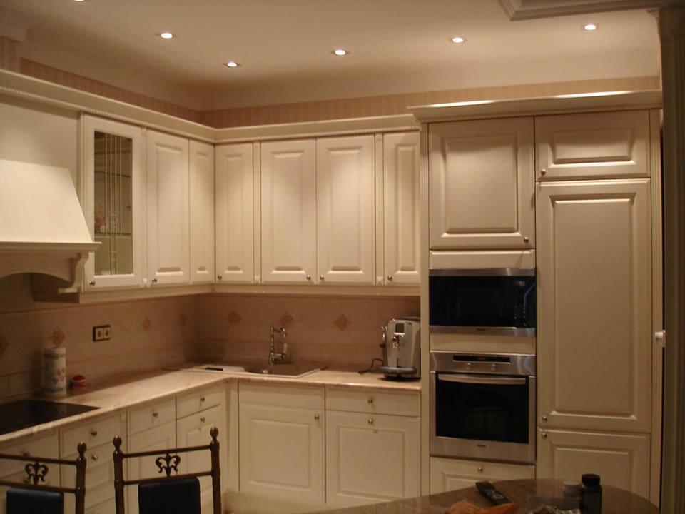 Кухня-гостиная в классическом стиле