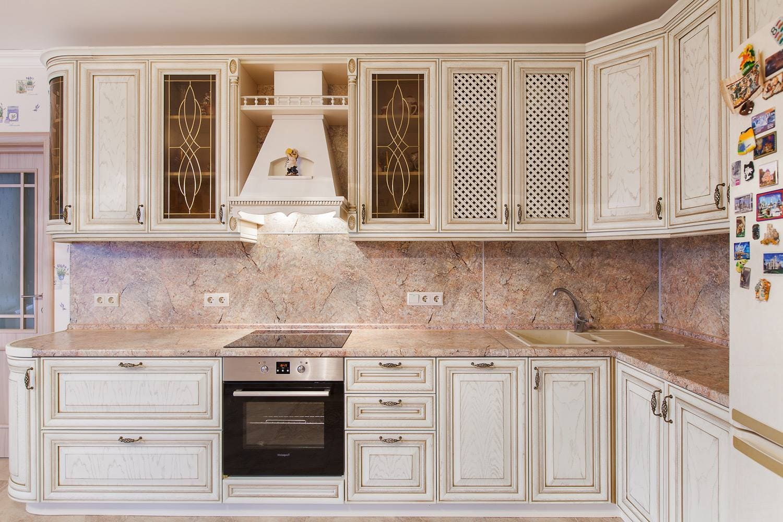 Классическая кухня для большой семьи!
