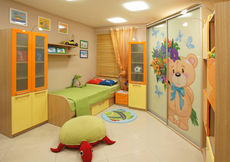 "В детскую - фабрика мебели ""мебиус""."