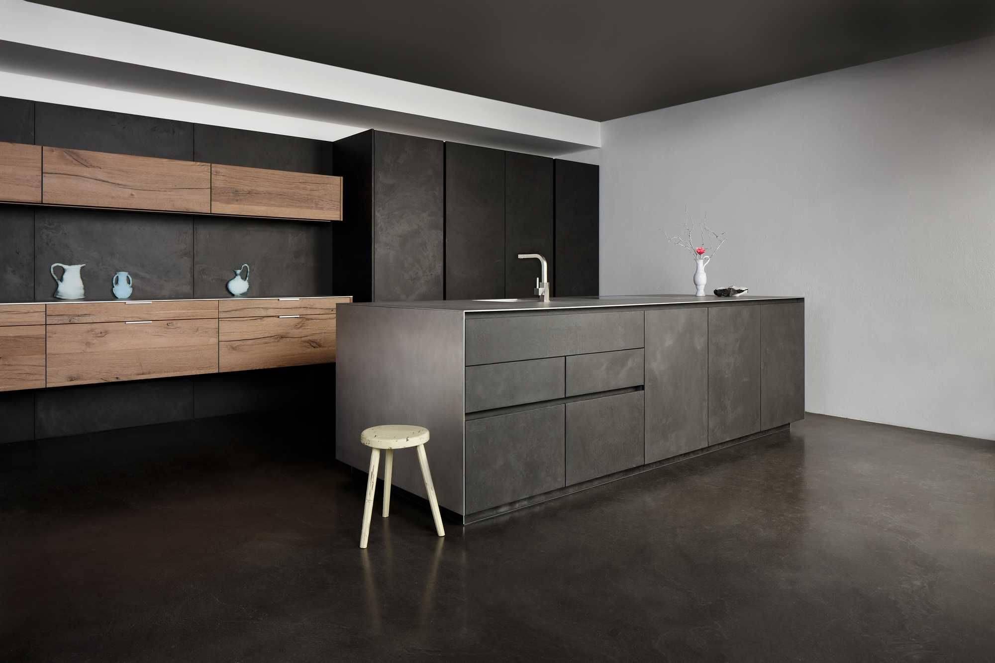 Кухня черного графитового цвета «Дюссельдорф»