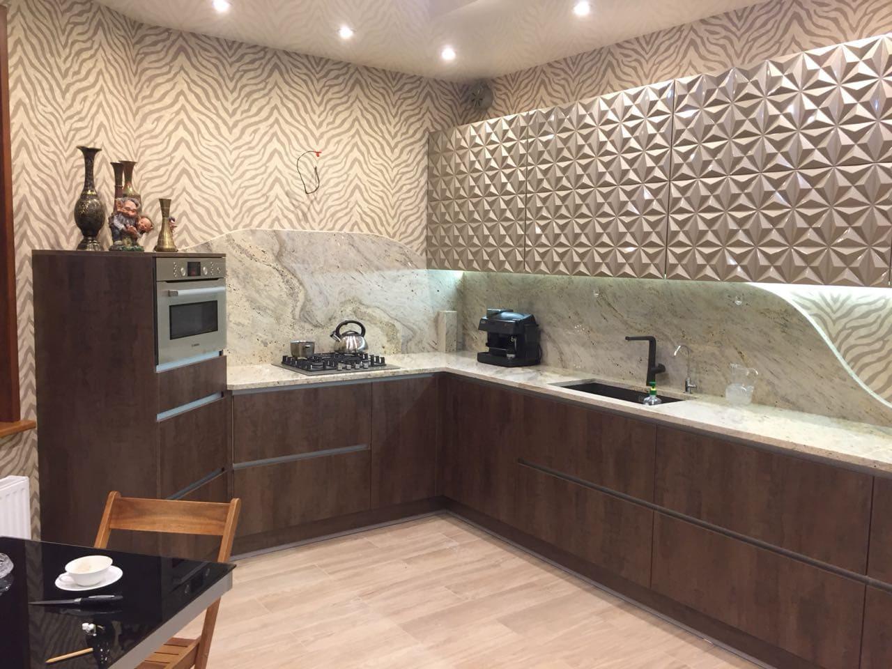 Технологичная и инновационная кухня с  3D фасадами и плитами Alvic!