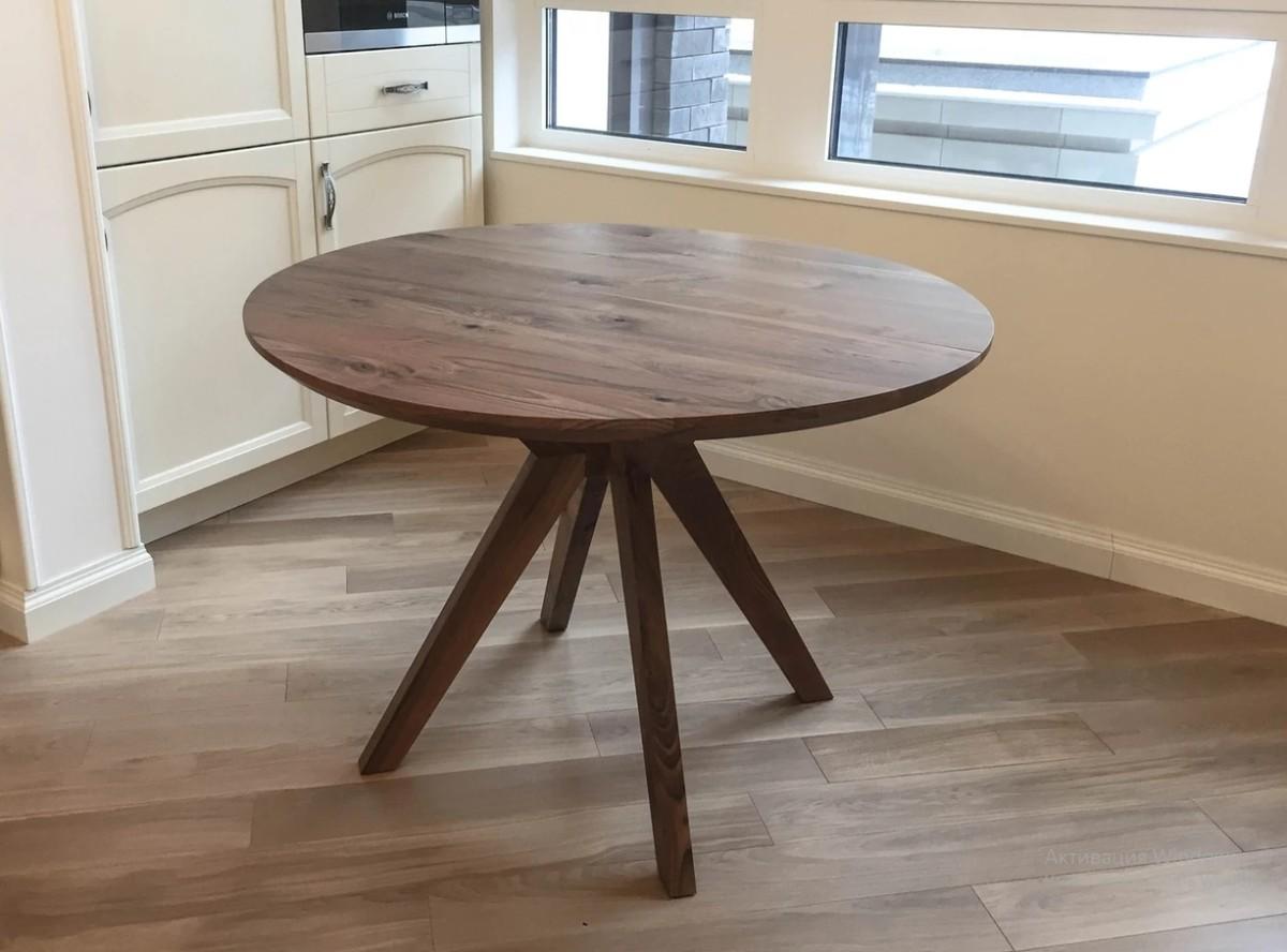 Круглый стол из массива «Tree Sky»