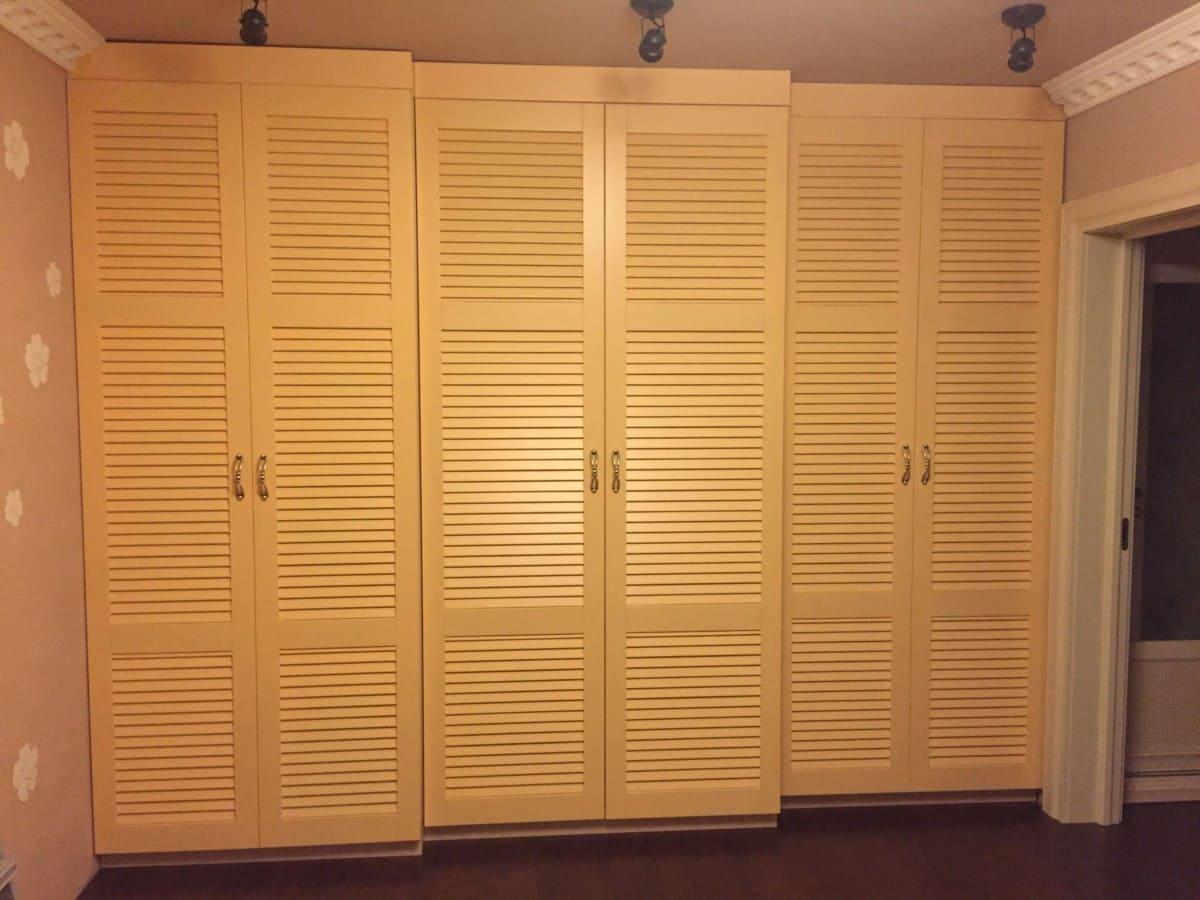 Многоуровневые жалюзийные шкафы