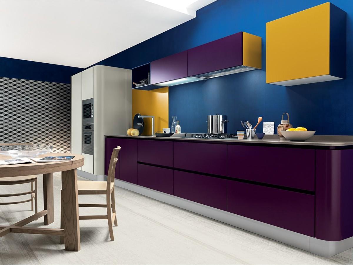 Кухня «Elegante» матовые фасады в ярких расцветках